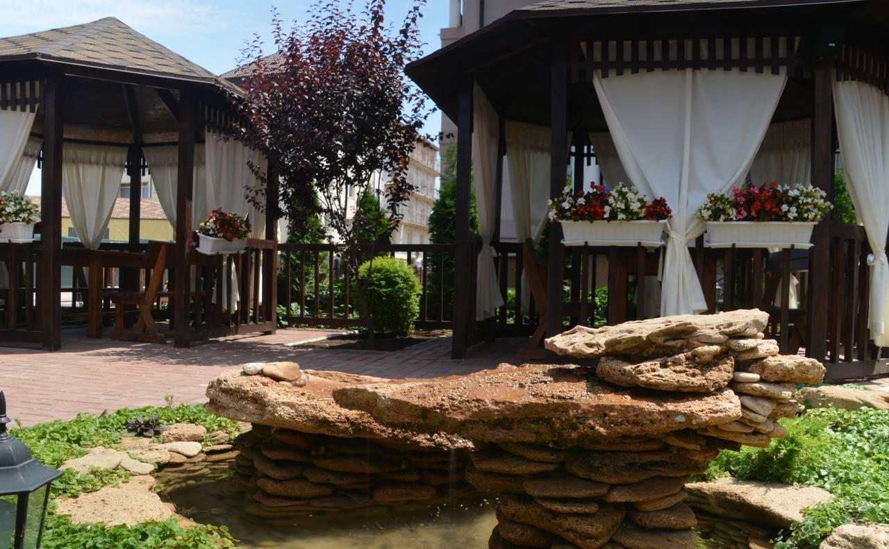 Отель «Элит» беседки летнее кафе